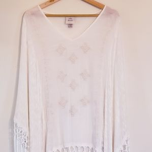 Knox Rose Poncho with Fringe Top White L/XL